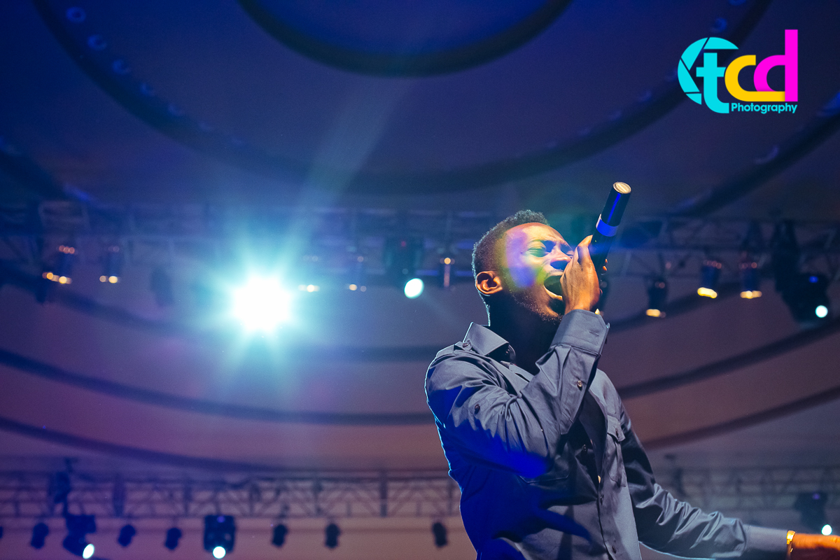 Iyanya_vs_Desire_Concert_performance-0055