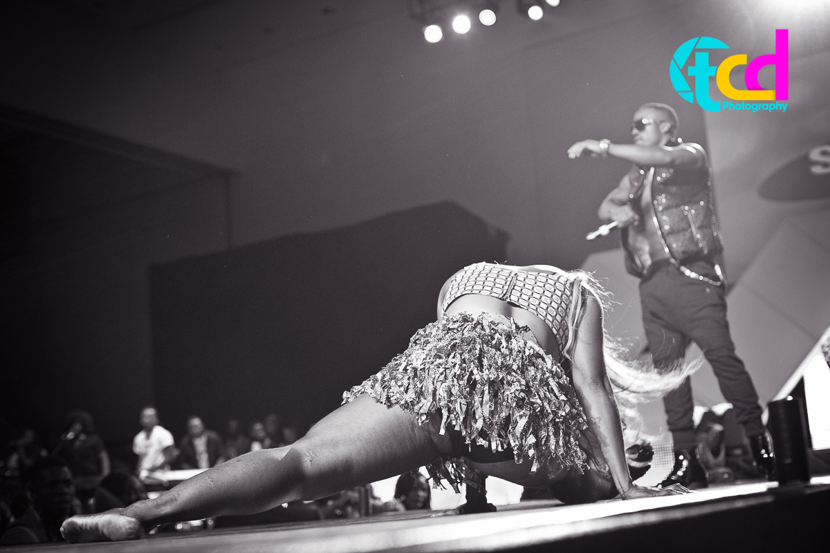 Iyanya_vs_Desire_Concert_performance-0151