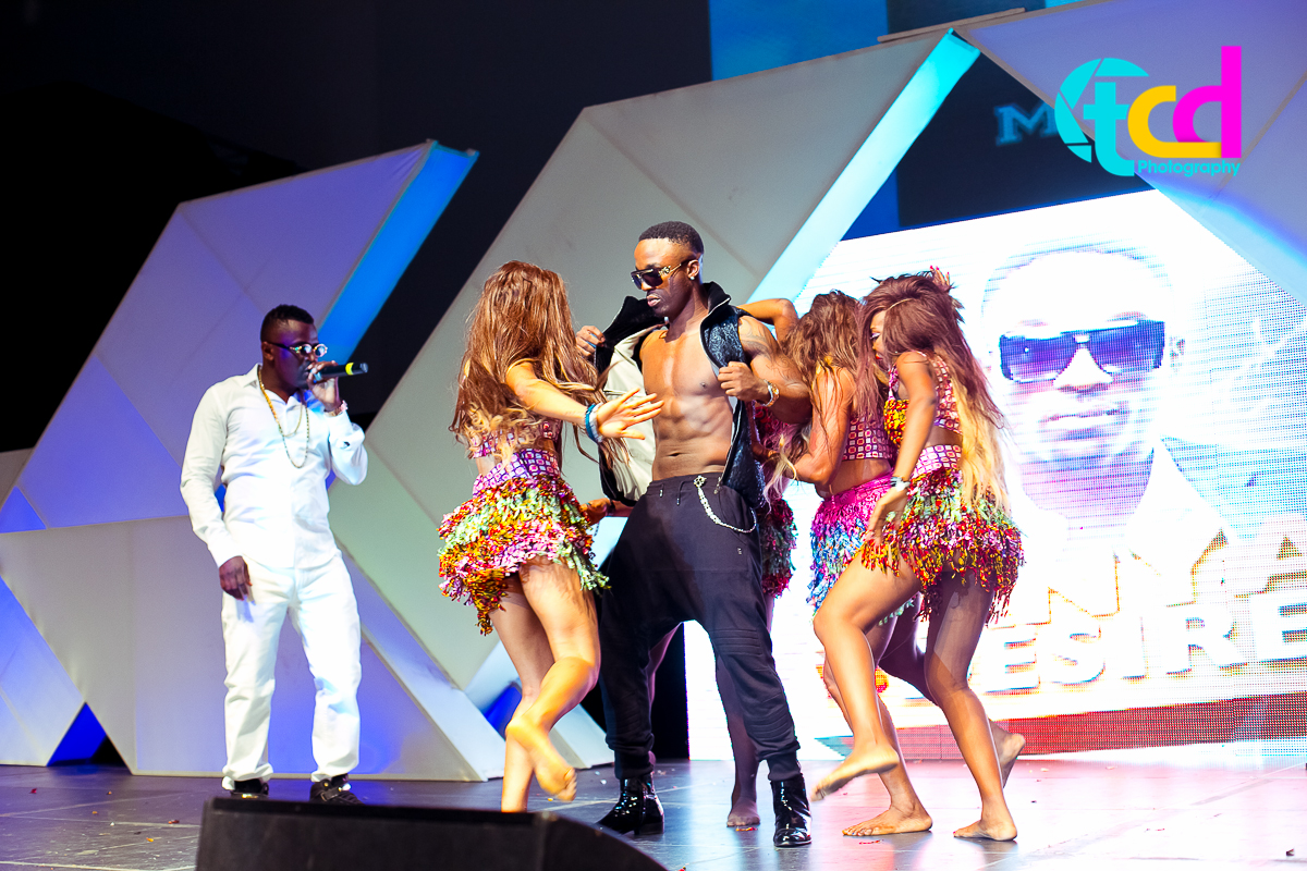 Iyanya_vs_Desire_Concert_performance-0175