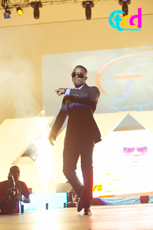 Iyanya_vs_Desire_Concert_performance-9747