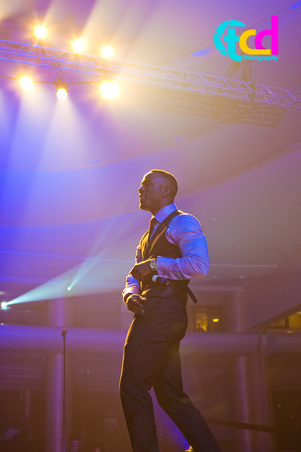 Iyanya_vs_Desire_Concert_performance-9824