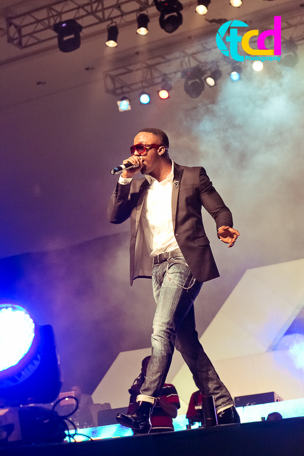 Iyanya_vs_Desire_Concert_performance-9936